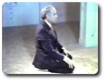 Ash-Hadu Allaa Elaaha Ellaa Allah. Wahdahu Laa Shareeka Lah - The Sitting Position